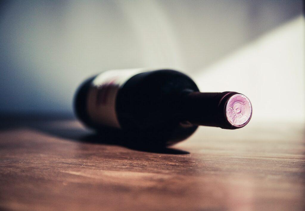 Отравление вином: симптомы илечение